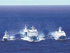 南部战区海军舰艇编队开展海上综合补给演练